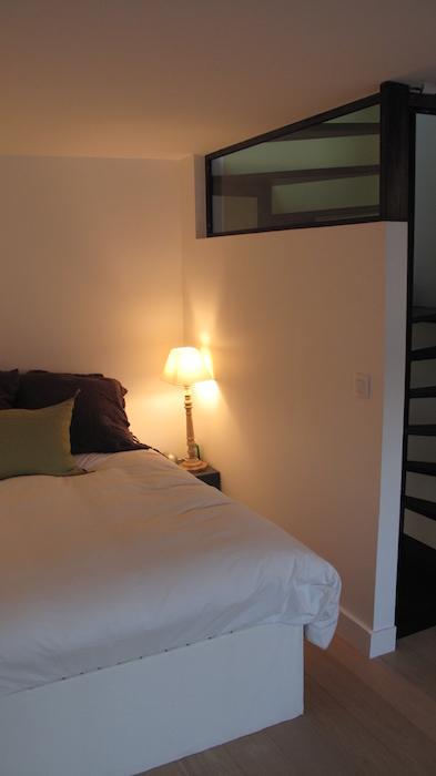 style industriel chambre fenetre haute isabelle boissin. Black Bedroom Furniture Sets. Home Design Ideas